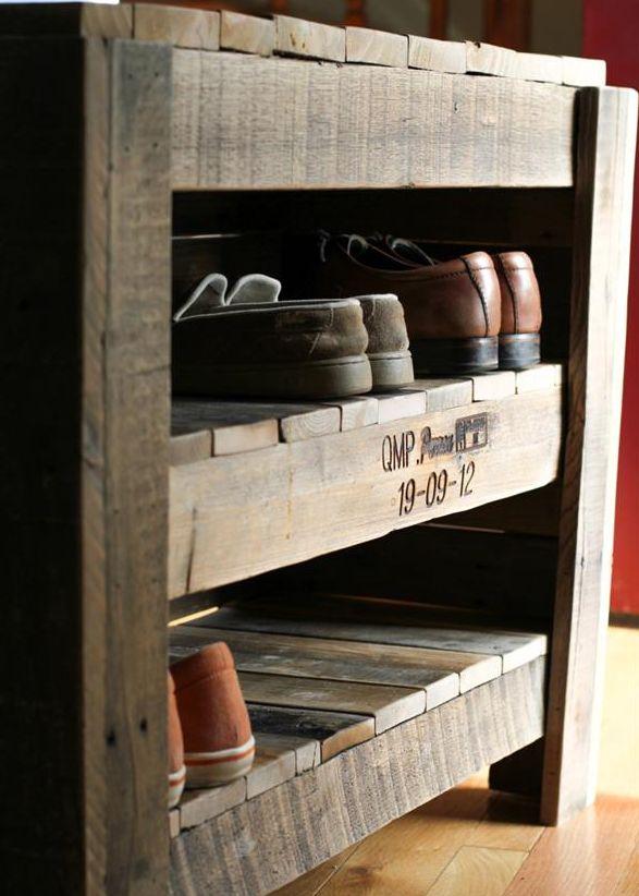 Medin s palet s kur pritaikyti nuotrauk albumas for Meuble a chaussure en bois de palette